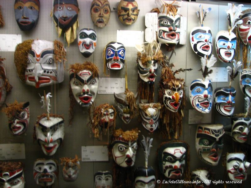 Collection de masques de ceremonies et fetes indiennes