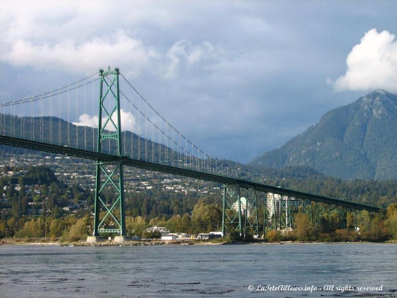 Le Lion's Gate Bridge