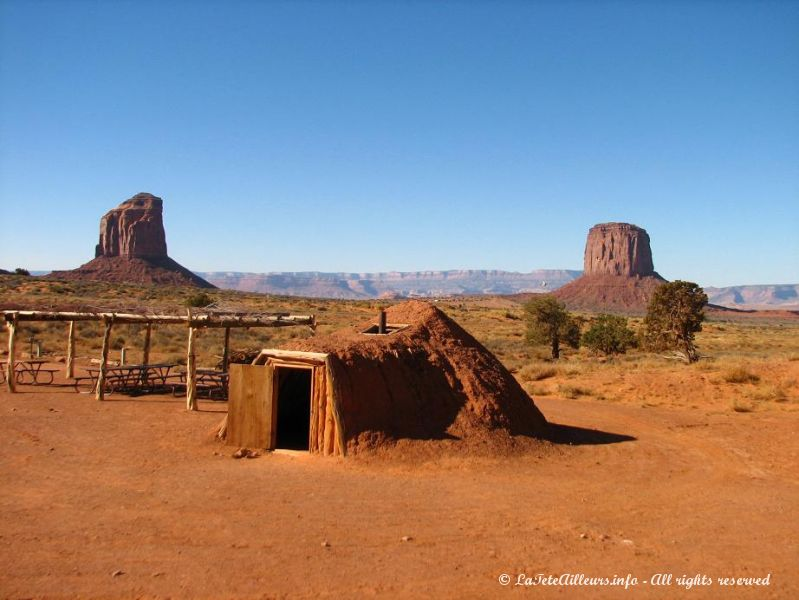 Une maison traditionnelle indienne a Monument Valley