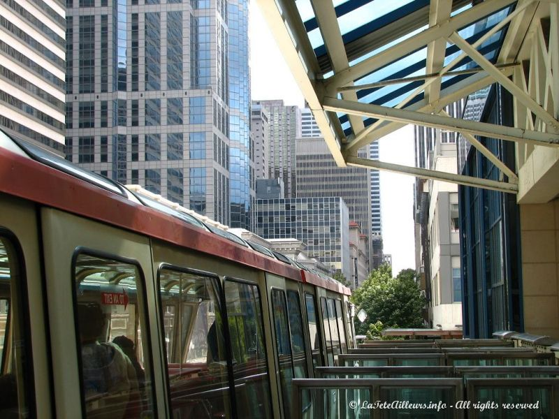 Le monorail menant au Space Needle
